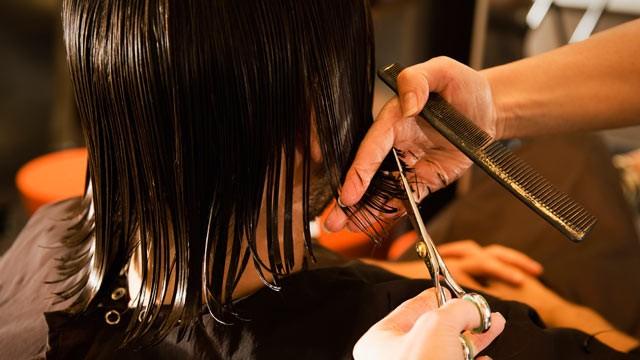 mimpi gunting rambut