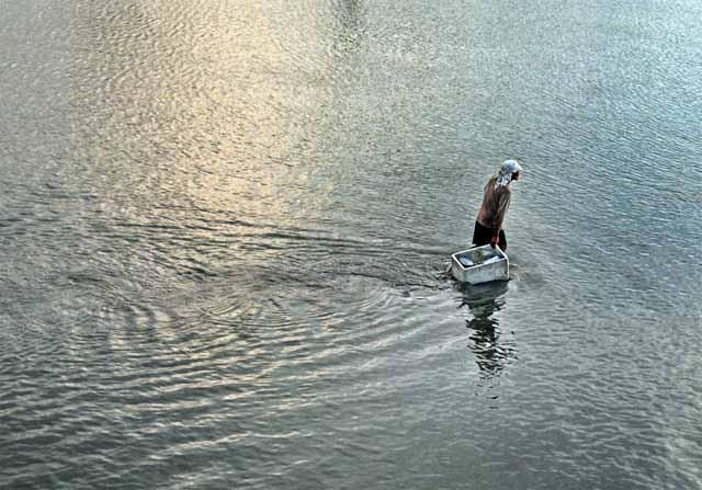 mimpi jalan atas air