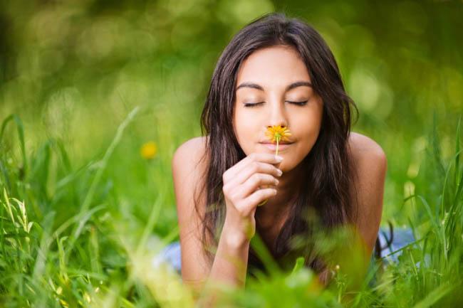 mimpi cium bunga