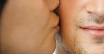 mimpi cium seseorang