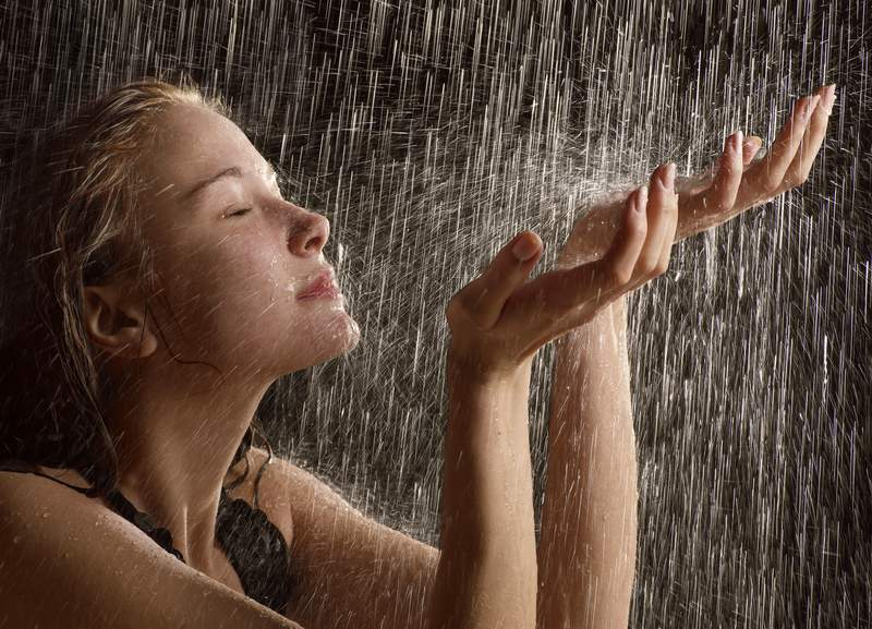 mimpi kena hujan